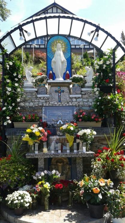 St. Jerome's Mothers group went on an outing to the Marian Shrine of Gratitude with their children.