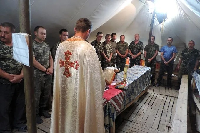 Military chaplaincy in eastern Ukraine, 2015. Credit: Aid to the Church in Need.