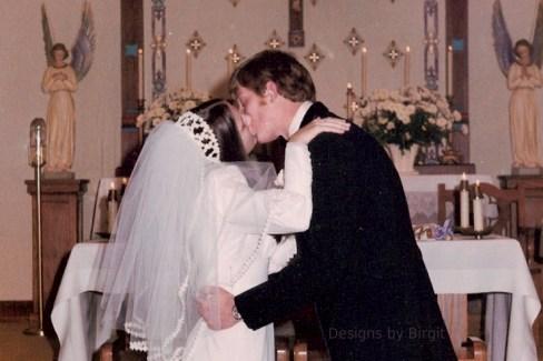 Marriage kiss