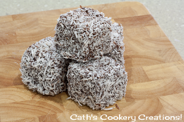Lamingtons and Sprinkletons from Cath's Cookery Creations!  @CathsCookery