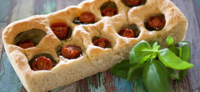 Tomato and Basil Focaccia – Daring Bakers Challenge