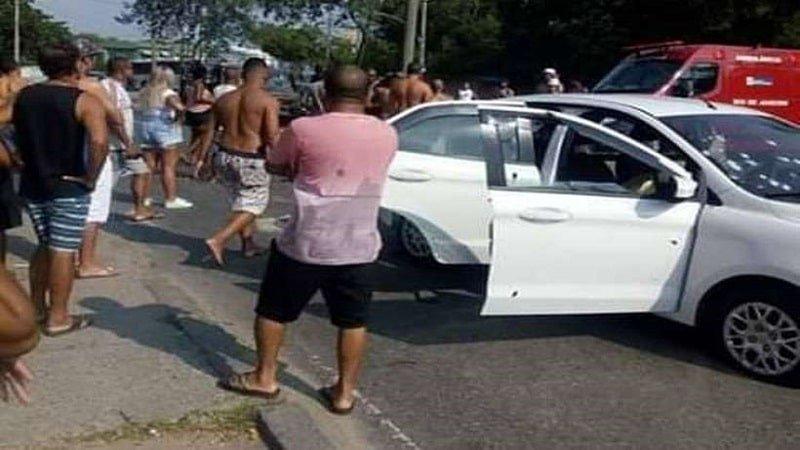 militares do exercito atiram contra automovel por engano e matam homem inocente video