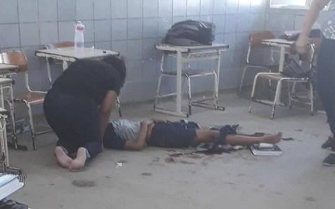 aluna esfaqueia outra dentro de sala de aula em escola municipal acesse para mais detalhes