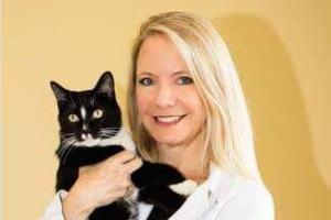 Dr. Nesbitt , owner of the Catonsville Cat Clinic.