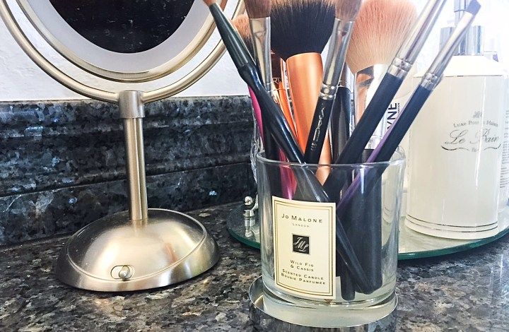 How To | Clean Your Makeup Brushes and Make Your Own Cleaning Solution