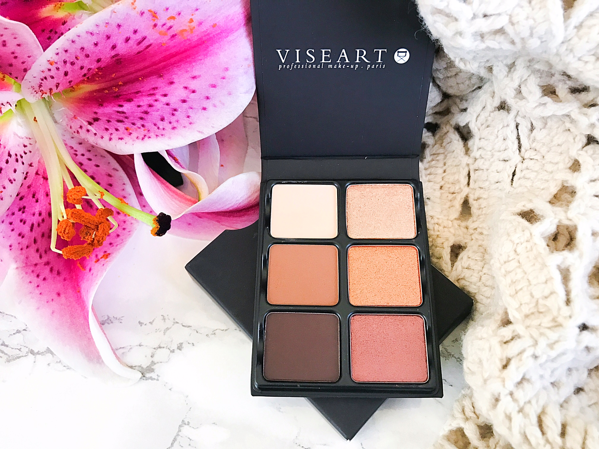 Effortlessly Elegant Makeup With Viseart Theory Ii Minx Palette 06 Paris Nudes All Cosmetics Are Individually Hand Made In France Making Them Very Parisian Chic