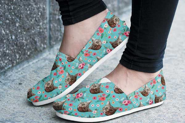 Custom Cat Casual Shoes by Groove Bags.