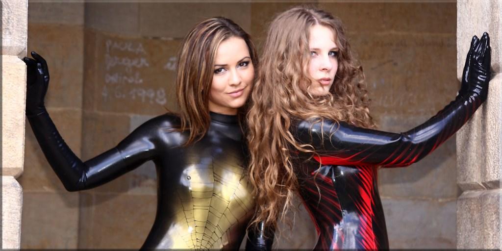 Katya und Alina im Floratempel