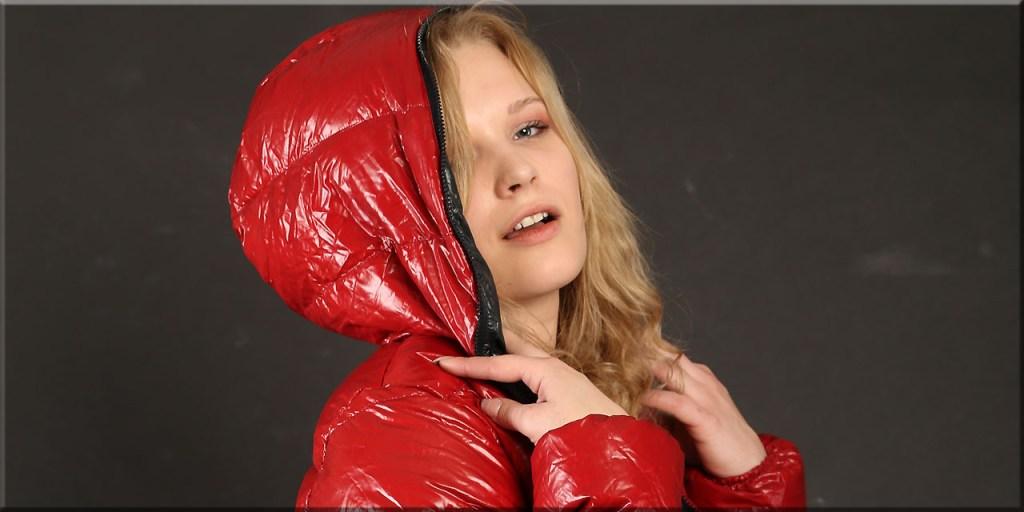 Valentina mit Daunenjacke