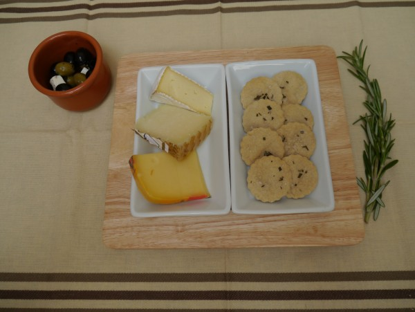 olive oil crackers with rosemary and seasalt