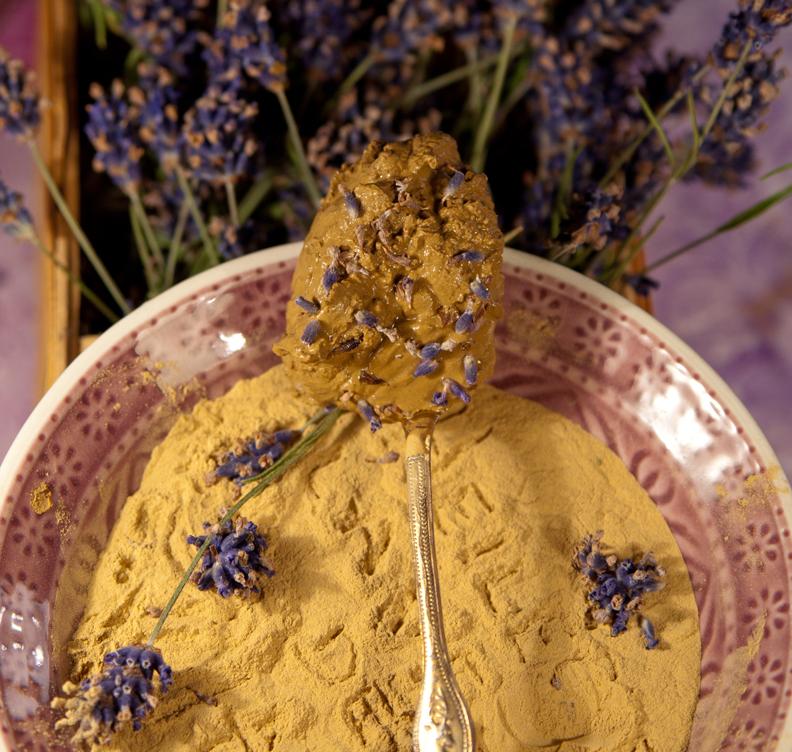Lavendel-Heilerde-Gesichtsm
