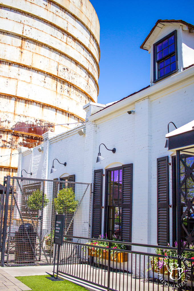 Our Quick Trip to the Magnolia Silos | Catz in the Kitchen | catzinthekitchen.com | #Magnolia #FixerUpper