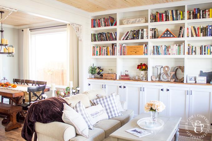 DIY home library bookshelf built-in