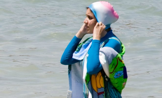 burkini colonisation plenel indigenes