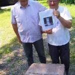 Gli autori del restauro del cippo commemorativo