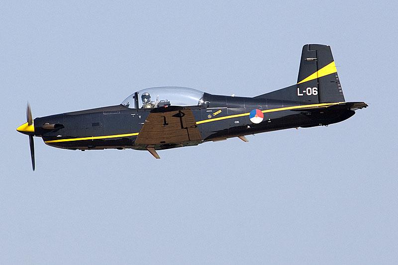 https://i2.wp.com/www.cavok-aviation-photos.net/KBphotocall06/PC7_L06.jpg