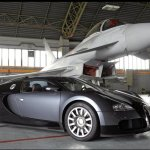 VÍDEO: Bugatti Veyron vs Eurofighter Typhoon