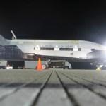 VÍDEO E IMAGENS: Pouso do X-37B na Base Aérea de Vandenberg