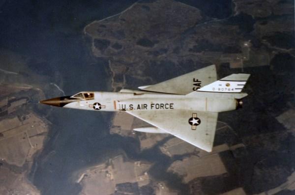 Convair F-106A Delta Dart, o último caça da Série Century e último inteceptador dedicado da USAF. (Foto: coleção particular)