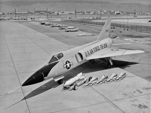 O Dart mostra suas garras. De uma versão melhorada do F-102, o avião provou-se muito superior, com identidade própria.(Foto: ausairpower.net)