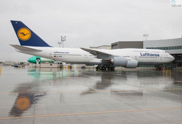 O 50° 747-8 entregue pela Boeing, um 747-8 Intercontinental entregue para companhia aérea Lufthansa. (Foto: Boeing)