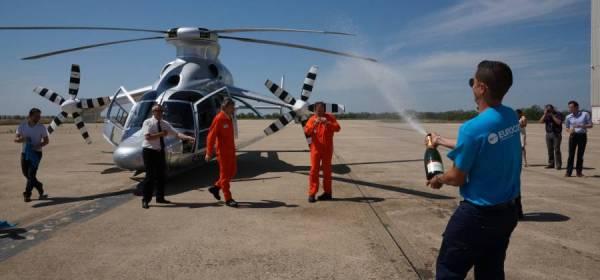exph 0755 204 600x280 - IMAGENS: Helicóptero híbrido X3 da Eurocopter atinge 472 km por hora