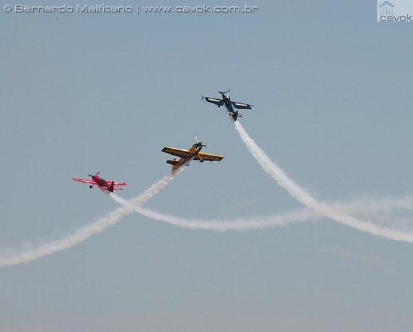 As acrobacias aéreas dominaram grande parte do show aéreo em Abbotsford. (Foto: Bernardo Malfitano / Cavok)