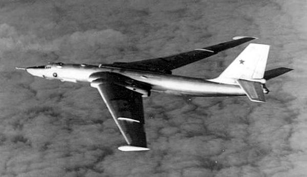 005 - Bombardeiros Soviéticos: Myasishchev M-4