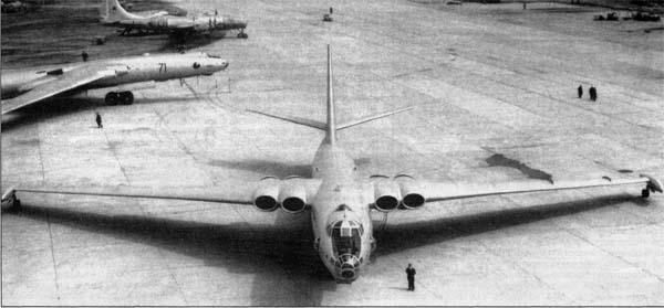 012 - Bombardeiros Soviéticos: Myasishchev M-4