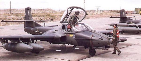 A FAS pretende adquirir 12 velhos A-37 (ex-FACh) para reforçar sua Defesa.