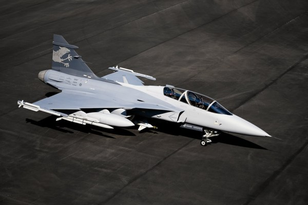 GRIPEN NG Gripen Demo Gripen F 600x400 - Brasil poderá ser base de produção e venda de futuros Gripens para América do Sul e África