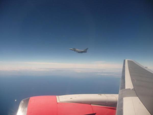 Encontro aeronave comercial Falklands 01