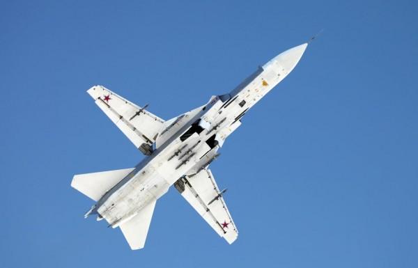 Su-24 vs gripens