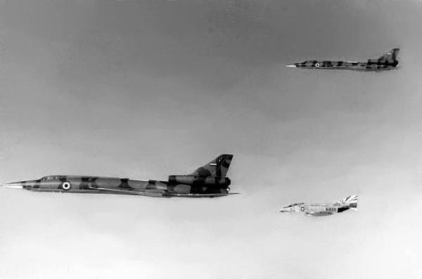 Tu-22_F-4_1977