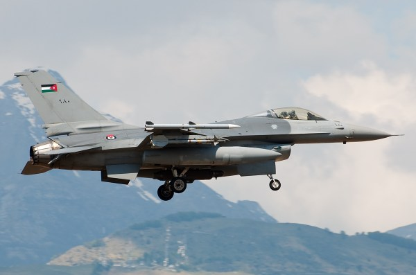 680-Royal-Jordanian-Air-Force-RJAF-Lockheed-Martin-F-16-Fighting-Falcon