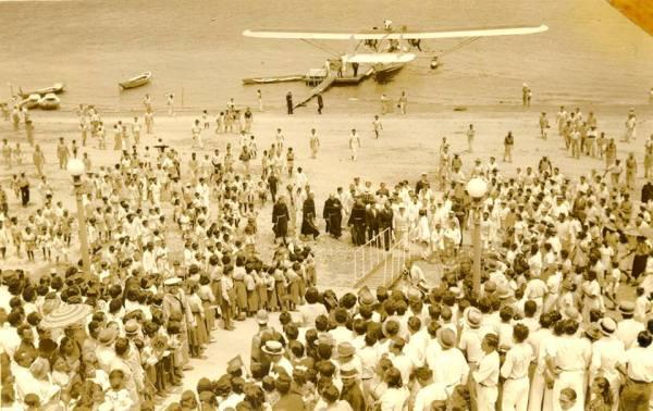 Panair do Brasil. Consolidated Commodore 16-1, registro PP-PAG (cn 6), no rio Tapajós, em Santarém, em frente à praça Matriz. . Esta foto registra a visita de Getúlio Vargas à Santarém do Pará em 14 de outubro de 1940