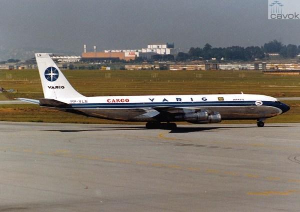 O PP-VLN visto em um de seus últimos voos pela Varig, já como cargueiro, Guarulhos, 12 de março de 1989. (Foto: AeroMuseu)