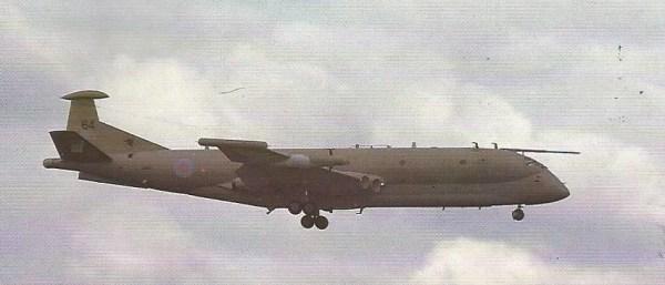 Um Nimrod do Esquadrão 51; a única comprovação da participação dessa unidade no conflito, em missões de espionagem eletrônica, foi o fato de receber uma condecoração de combate.