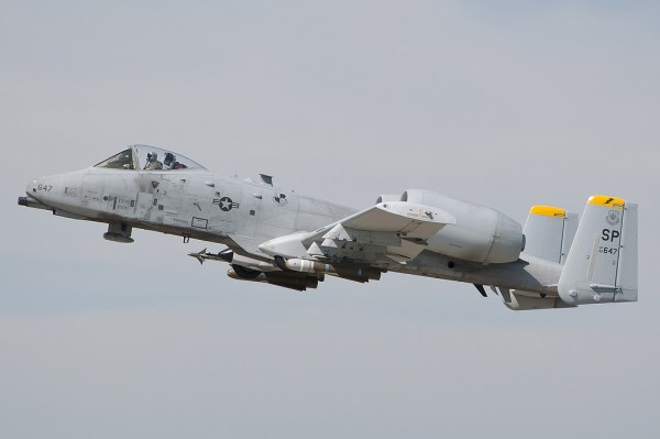 82-0647-USAF-United-States-Air-Force-Fairchild-Republic-A-10-Thunderbolt-II