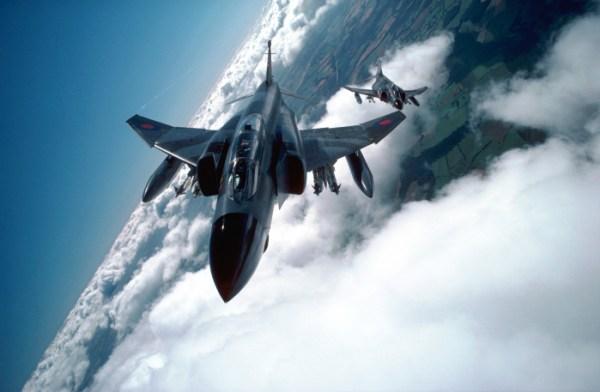 F-4_capa