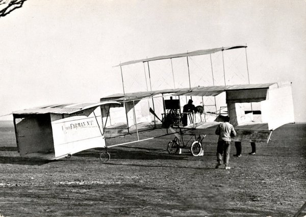 Triplano Voisin-Farman No.1bis em Châlons-sur-Marne (November 1908)
