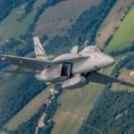 Finlândia continua analisando propostas para substituição de seus caças F/A-18C/D