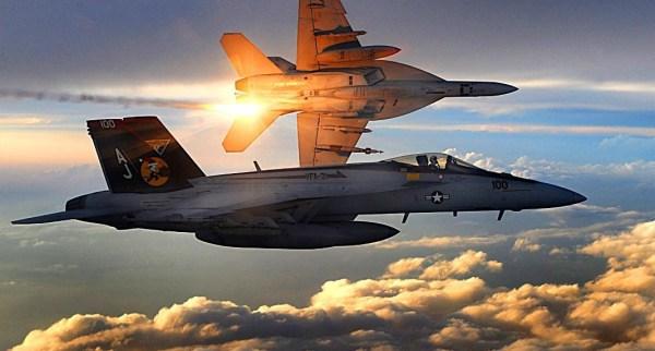 FA-18_Super_Hornets_of_Strike_Fighter_Squadron_31_fly_patrol,_Afghanistan,_December_15,_2008 (1)