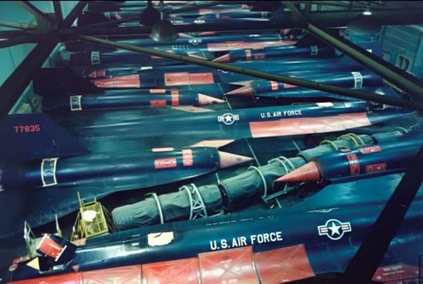 A-12 armazenados, início dos anos 70 (até meados dos anos 80), nas instalações da Lockheed, em Palmdale, na Califórnia - Lockheed Martin