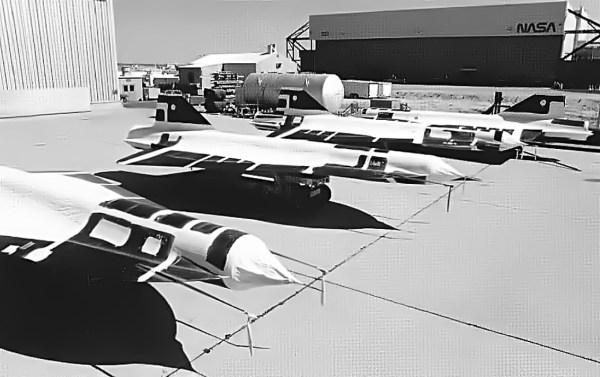 A NASA recebeu 4 exemplares do D-21 - NASA Dryden photo by Tony Landis