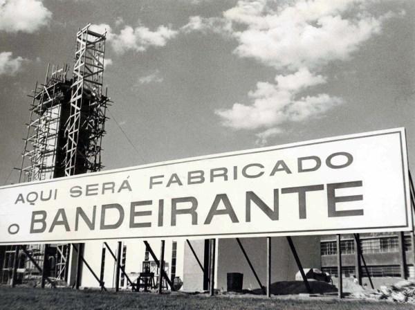1_2-Fabrica_q_será_fabricado_o_Bandeirante_media