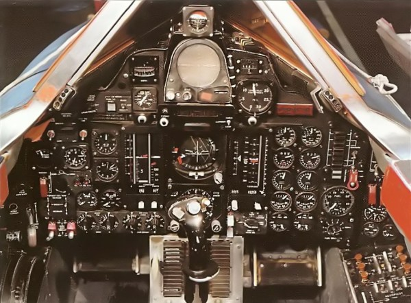 Lockheed YF-12A – Cockpit do Piloto – Lockheed Martin