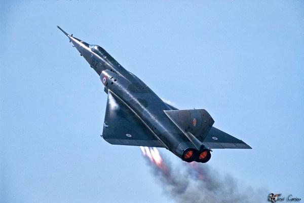 O Mirage IV foi um dos aviões que usaram de forma continua JATO
