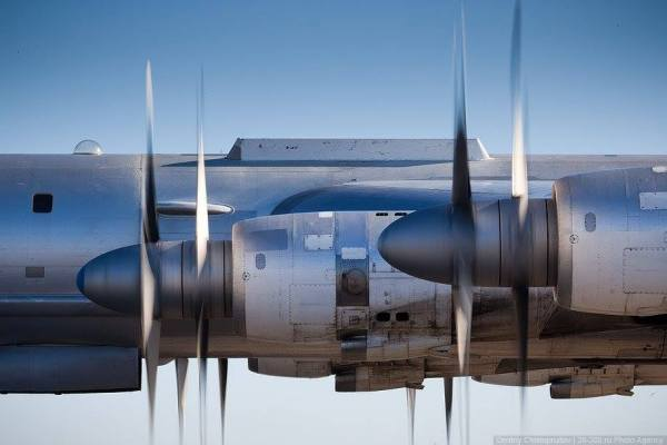 Tu-95 helices #1