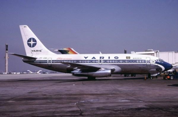 VARIG-Boeing-737-241-PP-VMK